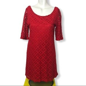 Everly • Red Lace Floral Shift Dress • Size M